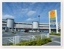 大型ショッピングセンター「サンエー経塚シティー」